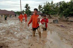 SAR Terus Lakukan Pencarian Korban Banjir Bandang Luwu Utara