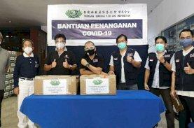 Yayasan Buddha Tzu Chi Serahkan Bantuan Covid-19 ke IDI Makassar