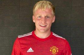 Manchester United Resmi Kontrak Donny van de Beek