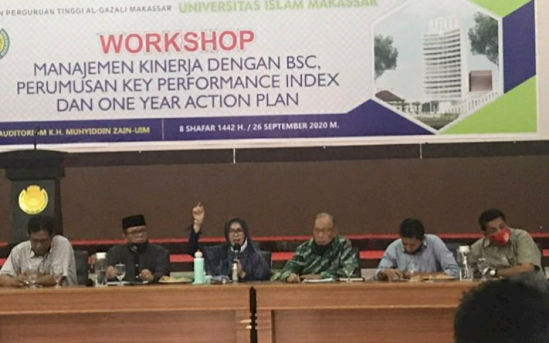 WORKSHOP. Suasana Workshop Manajemen Kinerja dengan BSC (Balanced Score Card) perumusan Key Performance Index dan One Year Action Plan di Auditorium KH Muhyiddin Zain UIM, Sabtu (26/9/2020). foto: istimewa