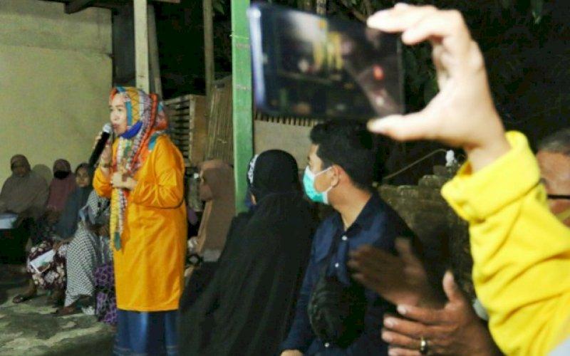 DUKUNGAN. Pernyataan dukungan Kesatuan Perempuan Partai Golkar untuk pasangan calon Bupati dan Wakil Bupati Maros Andi Tajerimin-Havid S Fasha. foto: istimewa