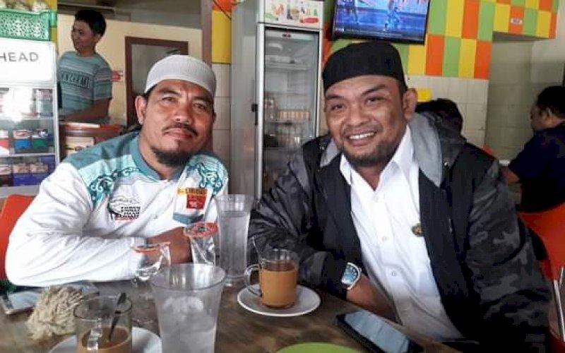 Foto: Djusman AR (kanan) bersama Ust H Muchtar Dg Lau. foto: istimewa