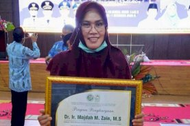 LPPTKA dan BKPRMI Anugerahi Majdah Tokoh Gerakan Masyarakat Cinta Qur'an