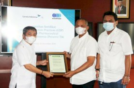 Sucofindo Berikan Sertifikat Good Delivery Practices kepada Garuda Indonesia
