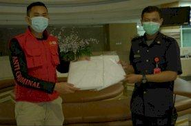 Anir Peduli Bagi-bagi APD untuk PCC RSUP Wahidin Sudirohusodo