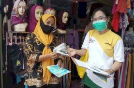 Asparindo Bersama Adira Bagi Masker kepada Pedagang