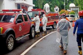 Birokrat Terpapar Covid-19, Gedung Balai Kota Makassar Disemprot Disinfektan