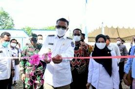Gubernur Serahkan 50 Unit Huntap ke Korban Banjir Masamba