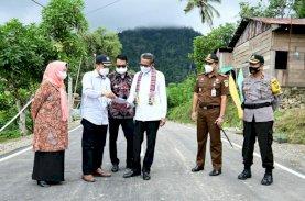 Gubernur Tuntaskan Akses Jalan Beraspal di Daerah Terisolir Sinjai Barat