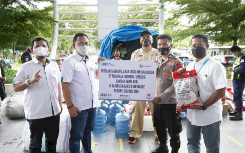 BANTUAN. PT Pelabuhan Indonesia IV (Persero) mendistribusikan bantuan dari PT Pelindo I (Persero) untuk korban gempa yang terjadi di wilayah Majene dan Mamuju, Provinsi Sulbar, Jumat (29/1/2021). foto: humas pelindo IV