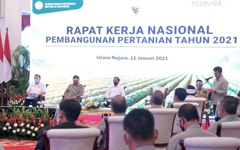RAKERNAS. Menteri Pertanian, Syahrul Yasin Limpo, memberikan sambutan pada pembukaan Rapat Kerja Nasional (Rakernas) Pembangunan Pertanian Tahun 2021 yang dibuka Presiden Joko Widodo di Istana Negara, Jakarta, Senin (11/1/2021). foto: bpmi setpres