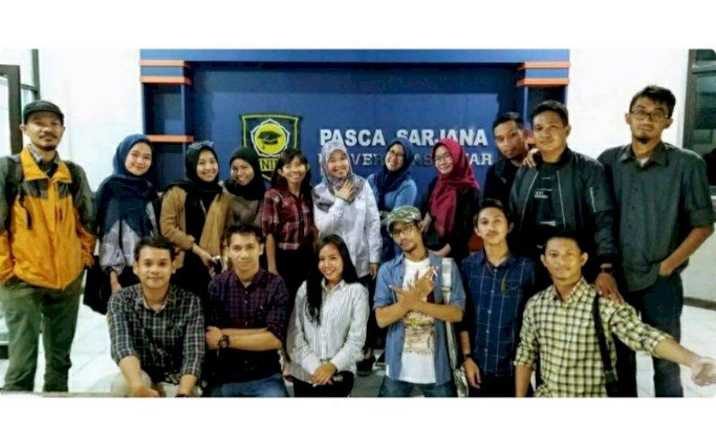 SEMINAR. Mahasiswa pascasarjana Unifa Makassar Program Studi Magister Ilmu Komunikasi mengikuti 'Seminar Karya Ilmiah' yang mengambil mata kuliah Karya Ilmiah yang Diseminarkan, Selasa (26/1/2021). foto: istimewa