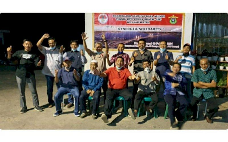 SILATURAHMI. Suasana silaturahmi IKATSI Unhas Makassar lintas angkatan di Sultra Jumat (19/2/2021). foto: istimewa