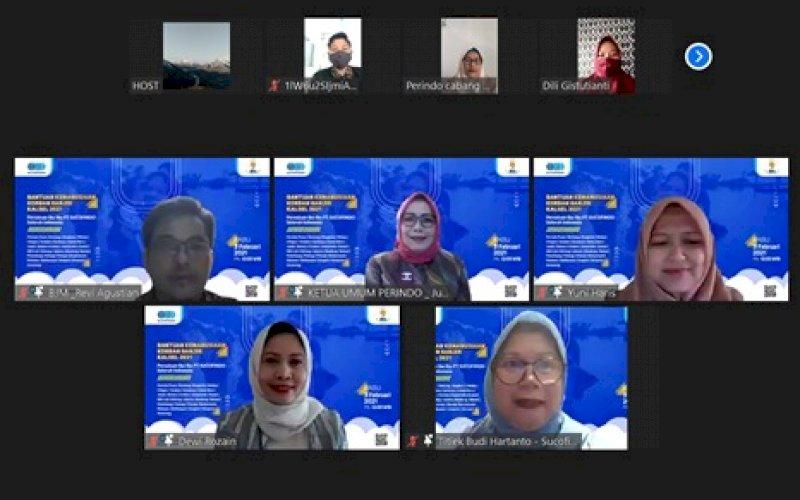 BANTUAN. Persatuan Ibu-ibu Sucofindo menyalurkan bantuan dana kemanusaiaan kepada korban Banjir di Provinsi Kalsel, melalui Kantor Cabang PT Sucofindo (Persero) Banjarmasin. foto: humas sucofindo