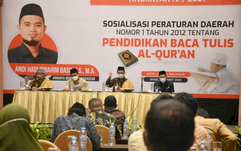 SOSIALISASI PERDA. Anggota DPRD Kota Makassar, Andi Hadi Ibrahim, menggelar sosialisasi Perda nomor 1 tahun 2012 tentang Pendidikan Baca Tulis Al Qur'an Makassar di Hotel Dalton Makassar, Minggu (28/3/2021). foto: istimewa