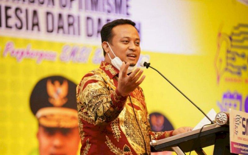 PEMBUKAAN. Plt Gubernur Sulsel, Andi Sudirman Sulaiman, membuka Rakerda dan Award SMSI Sulsel 2021 di Hotel Claro Makassar, Jumat (26/3/2021). foto: humas pemprov sulsel