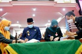 Plt Gubernur Sulsel Serahkan LKPJ 2020 ke DPRD