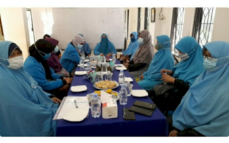 KELAS BERDAYA. Suasana Kelas Berdaya Perempuan yang digelar Bidang perempuan Partai Gelora Indonesia Provinsi Sulsel di Kabupaten Maros, Minggu (21/3/2021). foto: humas gelora sulsel
