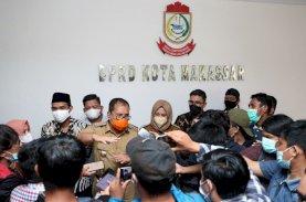 Banjir Makassar, Danny-Fatma Berbagi Tugas Bantu Warga