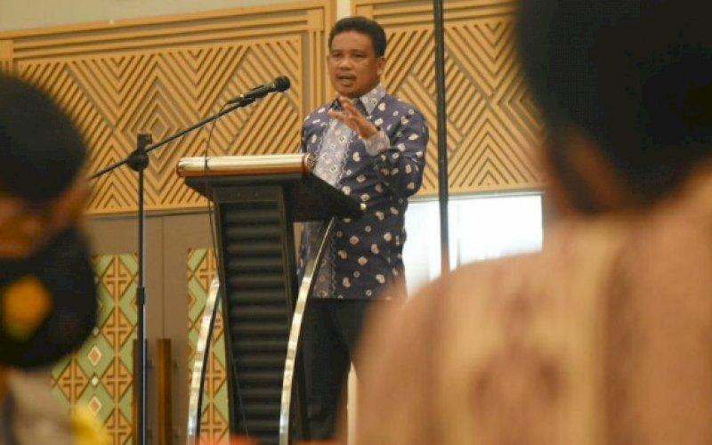 SOSIALISASI PERDA. Anggota DPRD Kota Makassar, Muhammad Nasir Rurung, menggelar sosialisasi Perda Kota Makassar nomor 9 tahun 2016 tentang Perlindungan dan Pengelolaan Lingkungan Hidup di Hotel MaxOne Makassar, Kamis (25/3/2021). foto: istimewa