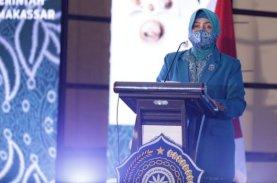 HKG PKK Ke-49, Indira Serahkan PMT bagi 47 Puskemas di Makassar
