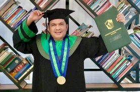 Wachyudi Muchsin Jalani Wisuda Magister Kesehatan UMI