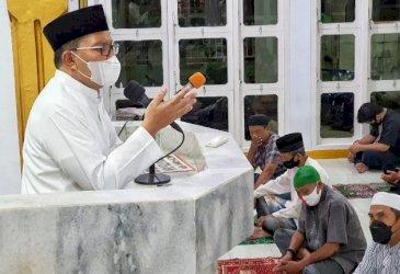 Ceramah Tarawih Awal Ramadan, Danny Pomanto Imbau Jemaah Amalkan Isi Al Qur'an