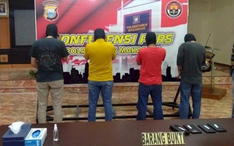 KONFERENSIN PERS. Polrestabes Kota Makassar menghadirkan empat tersangka penyalahgunaan narkotika jenis sabu-sabu dan