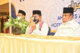 Tangis Wali Kota Makassar Pecah, Sebut Wisudawan Penghafal Al Qur'an Generasi Terbaik