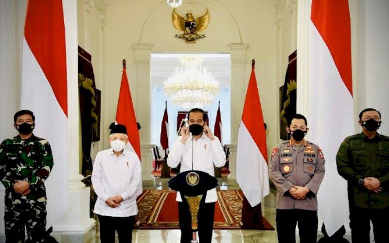 DUKACITA. Presiden Joko Widodo saat menyampaikan pernyataan di Istana Merdeka, Jakarta, Senin (26/4/2021). foto: bpmi setpres