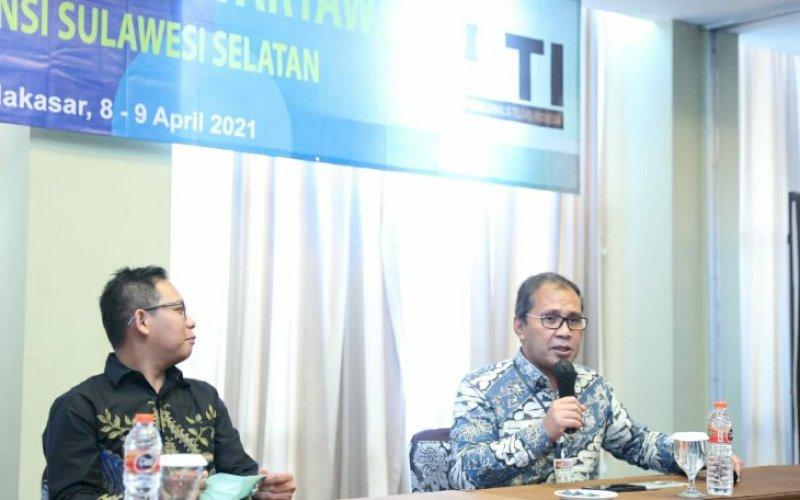 NARASUMBER. Wali Kota Makassar, Moh Ramdhan Pomanto, tampil sebagai narasumber dalam kegiatan UKW yang digelar IJTI Sulsel, Kamis (8/4/2021). foto: humas pemkot makassar