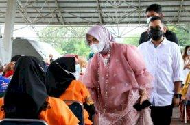 Anggun Memakai Baju Bodo, Fatmawati Menyapa Peserta Festival Smart Vaksinasi Makassar