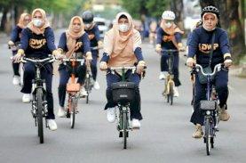 Tingkatkan Imunitas Sambut Ramadan, Indira Gowes Bareng DWP