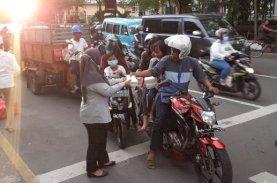 FKHI Pemkot Makassar Berbagi Takjil