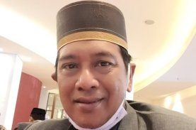 Prof Arfin Hamid Khotbah Idulfitri di Masjid Terapung: Berislam Secara Totalitas
