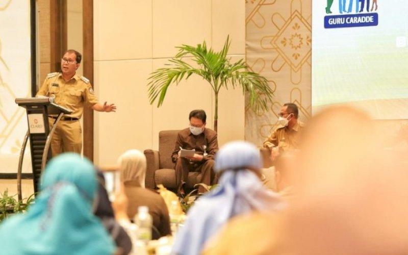 PEMBICARA. Wali Kota Makassar, Moh Ramdhan Pomanto, menjadi pembicara dalam rakor Dewan Pendidikan Makassar di Hotel Claro Makassar, Selasa (25/5/2021). foto: humas pemkot makassar