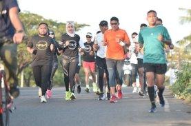 Sandiaga Uno Berlari Jelajahi Makassar Bersama NRVC