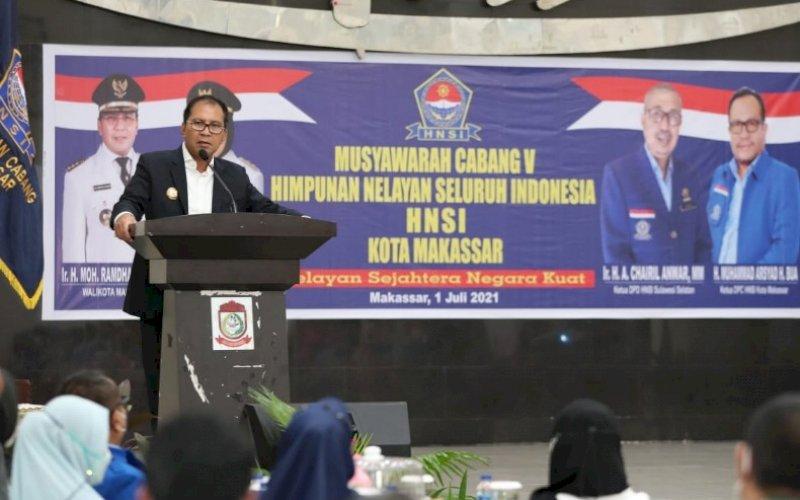 SAMBUTAN. Wali Kota Makassar, Moh Ramdhan Pomanto, memberikan sambutan pada Muscab V HNSI Kota Makassar di Baruga Anging Mammiri Rumah Jabatan Wali Kota Makassar, Kamis (1/7/2021). foto: humas pemkot makassar