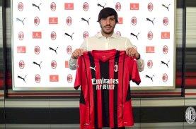 AC Milan Permanenkan Sandro Tonali