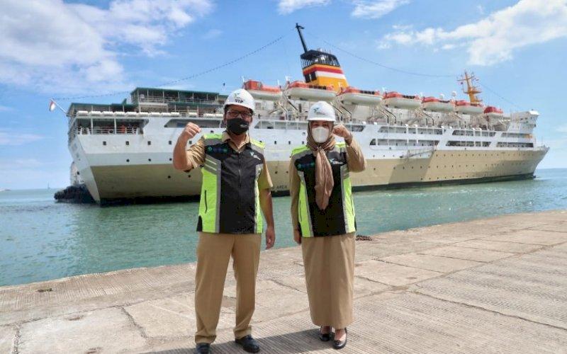 ISOLASI APUNG. Wali Kota Makassar, Moh Ramdhan Pomanto, meninjau dan menentukan titik koordinat dimana kapal Pelni untuk isolasi apung akan berlabuh, Selasa (13/7/2021). foto: istimewa