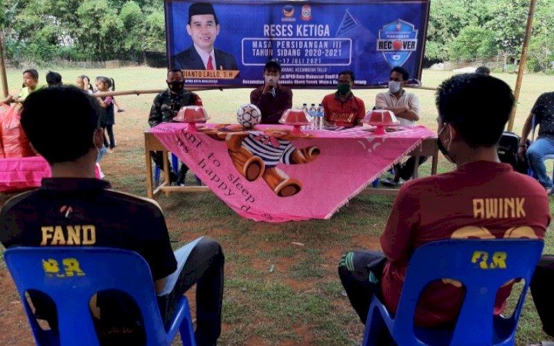 RESES. Ketua DPRD Kota Makassar, Rudianto Lallo, menggelar Reses Ketiga Masa Persidangan III Tahun Sidang 2020-2021, 12-17 Juli 2021, di Pulau Lakkang, Kecamatan Tallo, Kota Makassar, Minggu (18/7/2021). foto: doelbeckz/pluz.id