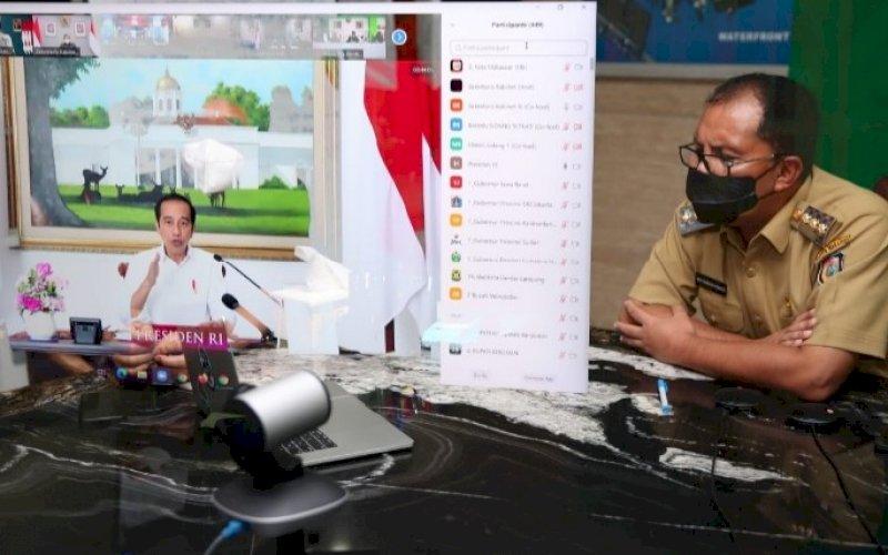 PERTEMUAN VIRTUAL. Wali Kota Makassar Moh Ramdhan Pomanto mengikuti pertemuan virtual bersama Presiden RI Joko Widodo, Senin (19/7/2021). foto: istimewa