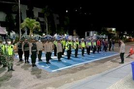 TNI/Polri Patroli Keliling Imbau Disiplin Protokol Kesehatan di Tana Toraja