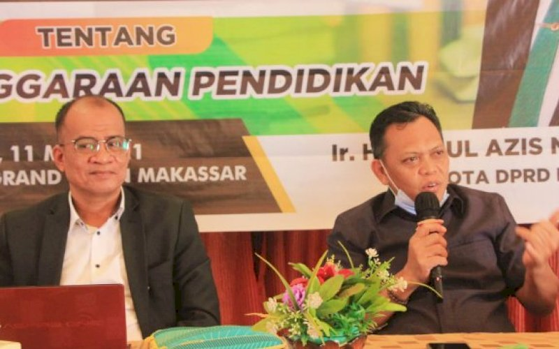 SOSIALISASI PERDA. Anggota DPRD Makassar, Abdul Aziz Namu, sosialisasikan Perda Penyelenggaraan Pendidikan di Hotel Grand Town Makassar, Selasa (11/5/2021). foto: istimewa