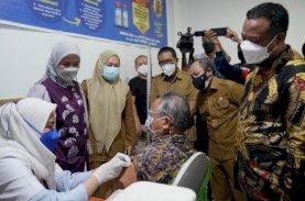 Vaksinasi Covid-19 Dosis Ketiga Dimulai di Sulsel, Prioritas Tenaga Kesehatan