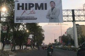 Baliho 'HIPMI Kita' Milik FTA Hiasi Jalan Protokol di Makassar