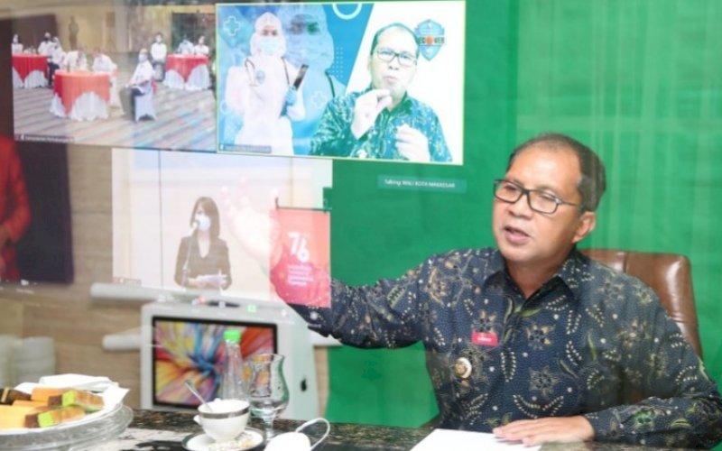 VIRTUAL. Wali Kota Makassar, Moh Ramdhan Pomanto, mengikuti pembahasan inovasi Isolasi Apung Terpadu yang diinisiasinya menjadi percontohan nasional dan diikuti sejumlah daerah di Indonesia secara virtual, Kamis (12/8/2021). foto: istimewa