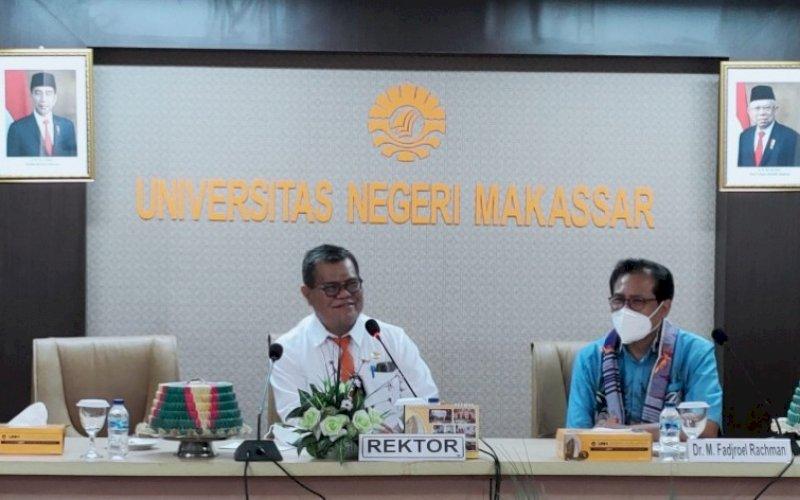 SILATURAHMI. Rektor UNM Prof Dr Ir Husain Syam MTP IPU ASEAN Eng menerima kunjungan silaturahmi Juru Bicara Presiden RI Mochammad Fadjroel Rachman, Senin (30/8/2021). foto: istimewa