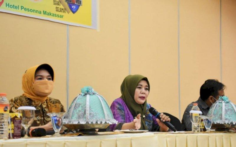 SOSIALISASI PERDA. Anggota DPRD Kota Makassar, Nurul Hidayat, melaksanakan sosialisasi Perda Kota Makassar Nomor 3 tahun 2016 tentang Pemberian ASI Eksklusif di Hotel Pesonna Makassar, Kamis (2/9/2021). foto: istimewa