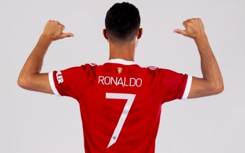 Cristiano Ronaldo memakai nomor punggung 7 di Manchester United. foto: istimewa